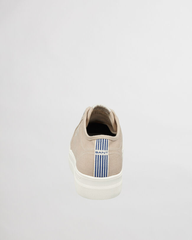 Leisha Sneaker