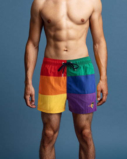 Kurze Pride Badeshorts in Blockfarben