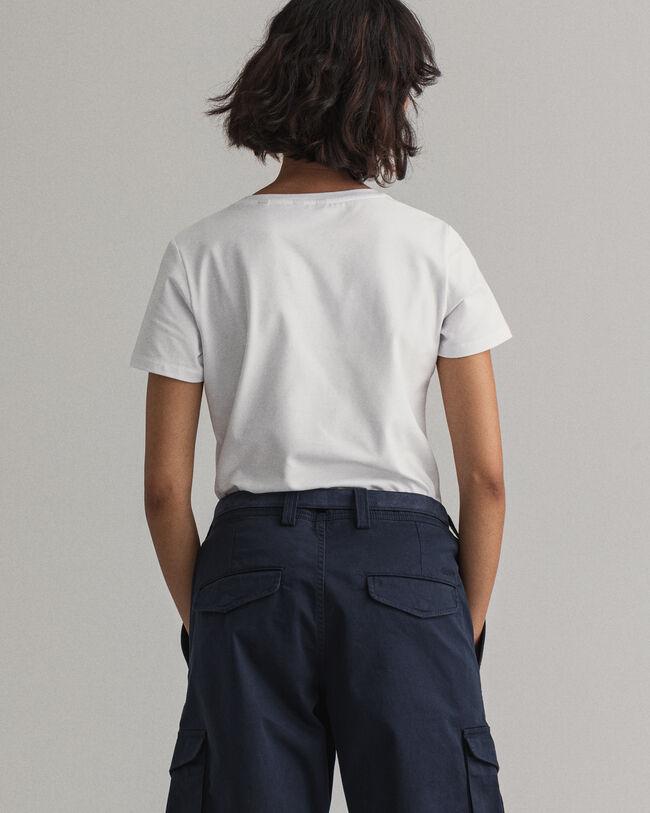 Anliegendes T-Shirt