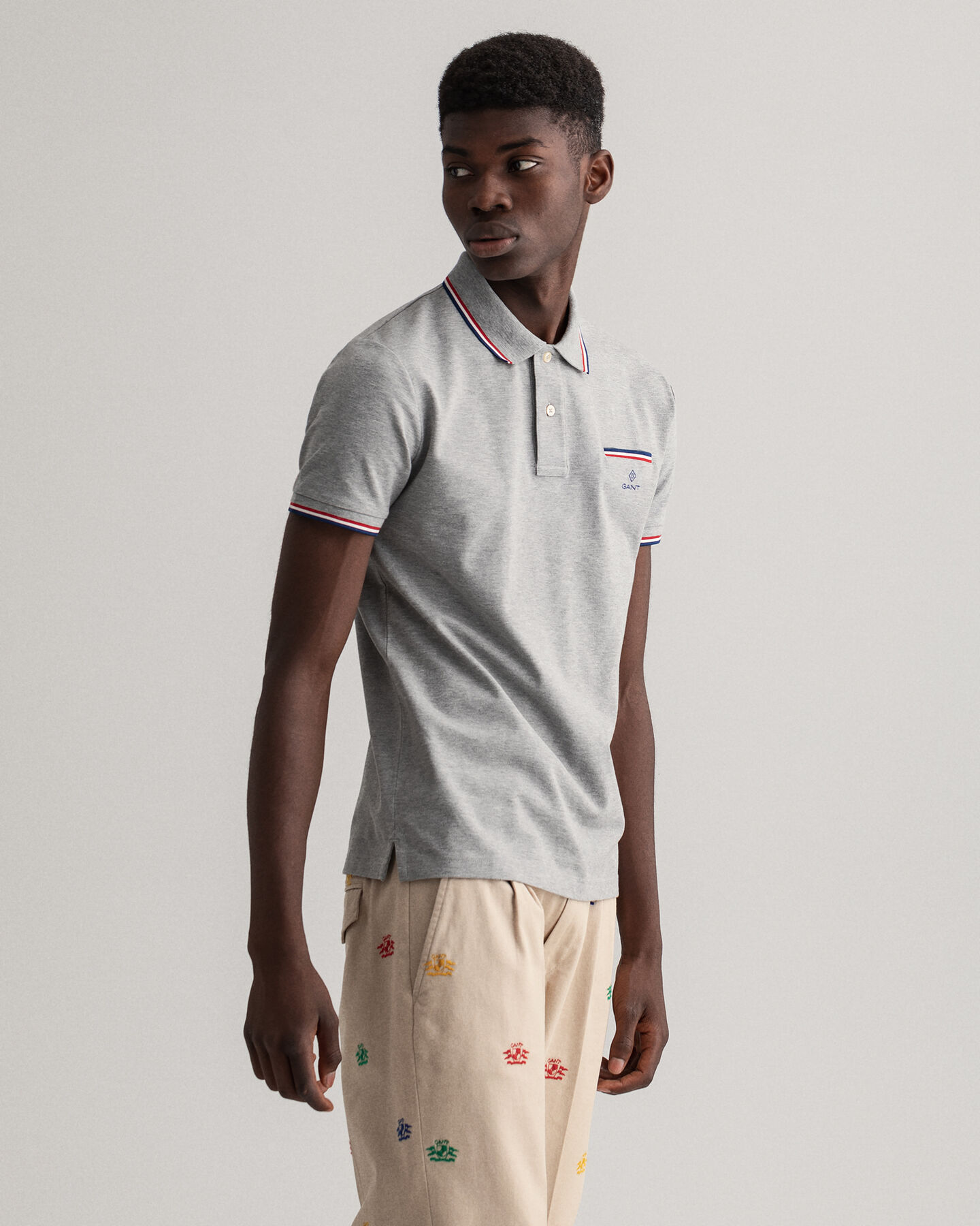 Piqué Rugger Poloshirt mit 3-farbigen Kontraststreifen