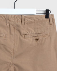 Hugger-Fit Chinohose