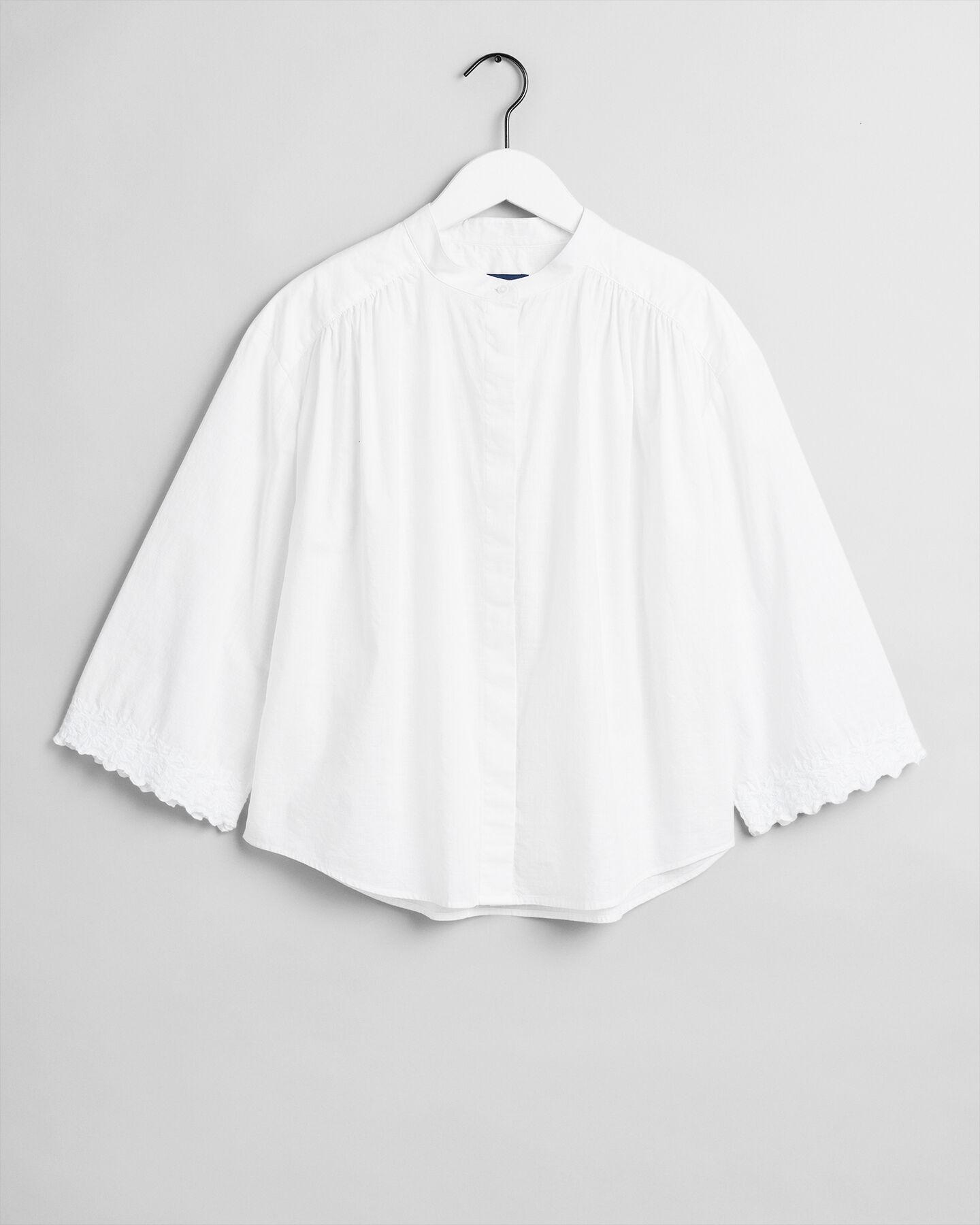 Oversize Bluse mit Stickerei