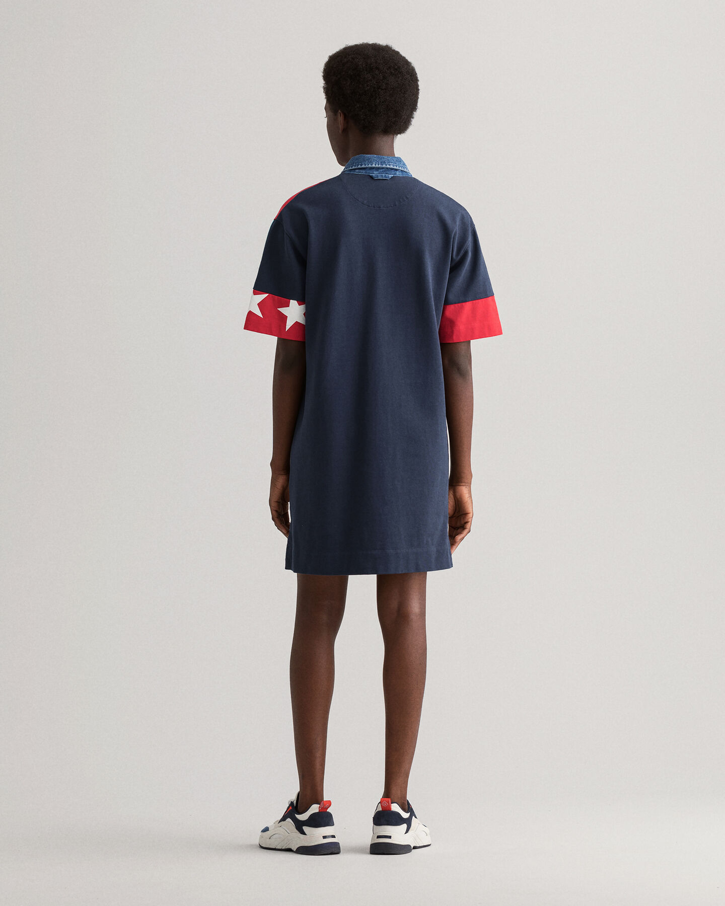 Retro Shield Rugger Kleid